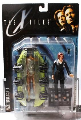Agent Dana Scully (suit & cryopod) UPC-787926161021 - Copy