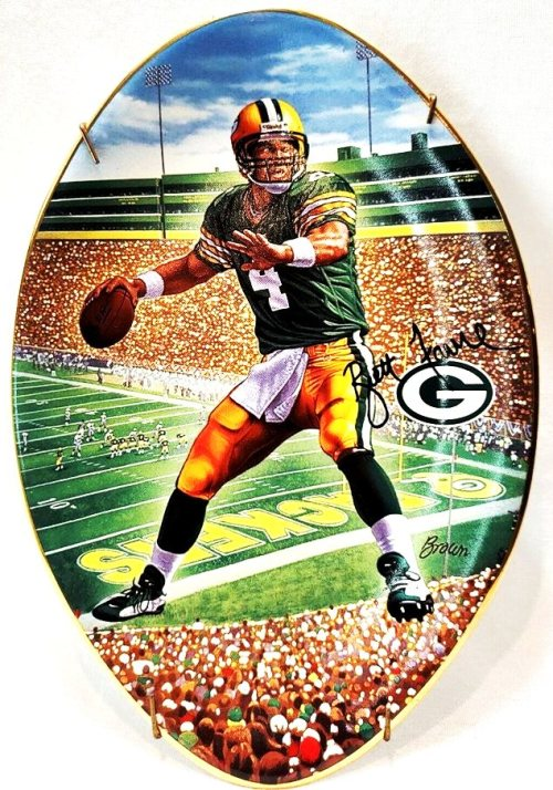 """Brett Favre Collector Plate (""""Leader Of The Pack"""")-0 - Copy"""