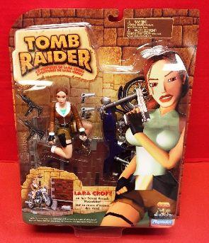 Lara Croft on Her Street Assault Motorbike (UPC-043377720249) 1999-0 - Copy