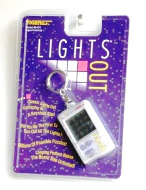 LIGHTS-OUT--Game-Play-In-Key-Chain--NEW--1997-