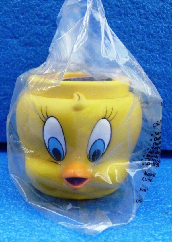 Warner Brothers (Tweety Bird) Looney Tunes Plastic Figural Mug 1994 Collection (1)