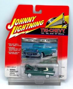Vintage 1957 Chevy Bel Air Green (1)