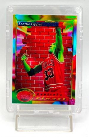 1994 Topps Finest (Scottie Pippen Central's Finest-Refractor) 3pcs Card #105 (1)