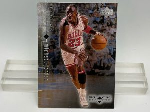 1999 Upper Deck Black Diamond (Michael Jordan Card #4) 2pcs (1)
